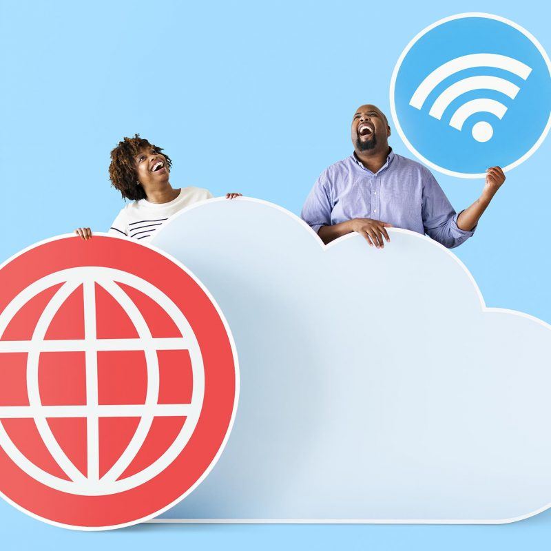 happy-people-with-cloud-and-technology-icons-P87T32E