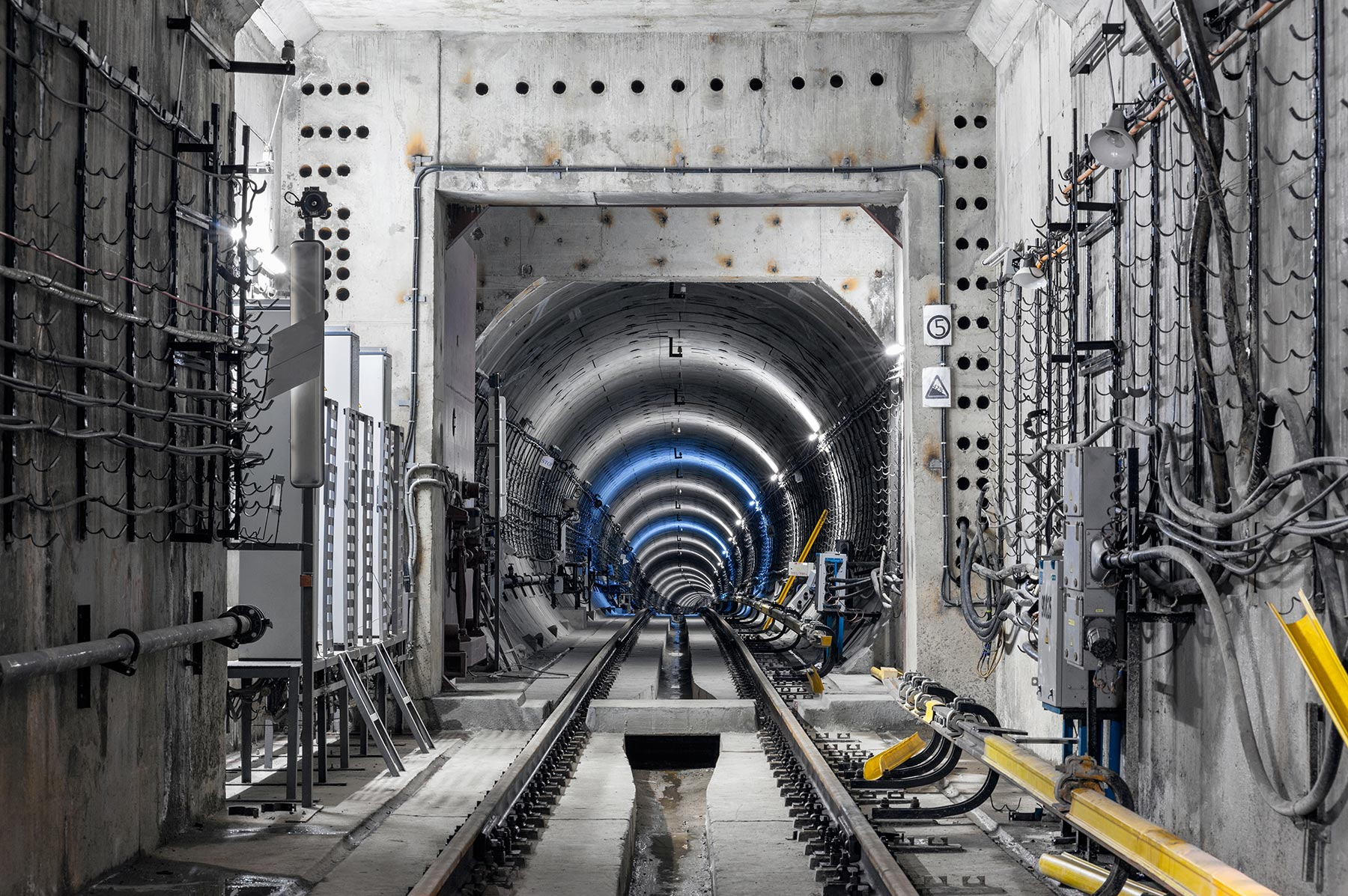 construction-of-the-subway-PVTZX2M