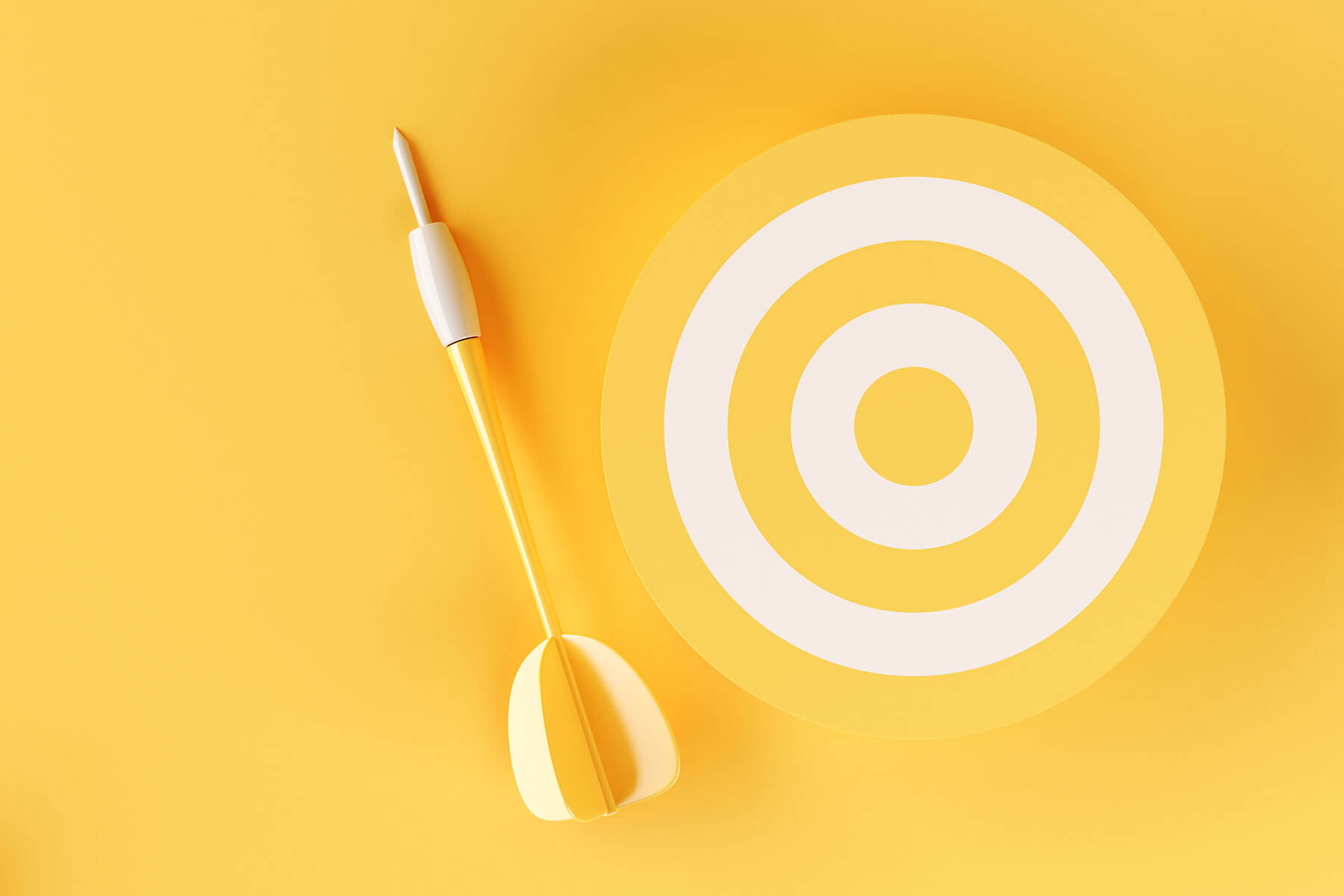3d-target-on-yellow-background-TKEE3CQ